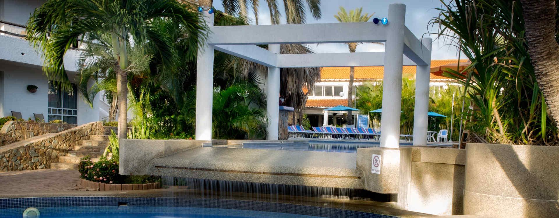 Hotel Palm Beach Area Piscina